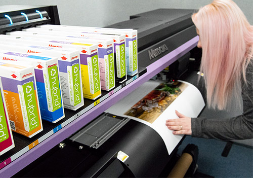 The CJV150 Series provides high performance, creativity and versatility with vibrant ink