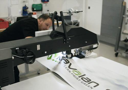 Urs carried out tests on Kavalan Sunlight Weldable Frontlit banner using LEISTER's  SEAMTEK 980 and SEAMTEK W980 welding equipment