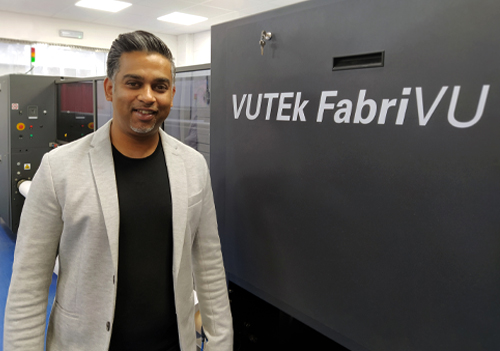 Krit Patel with the EFI VUTEk FabriVU 340